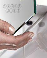 огледало с LED осветление в скосена баня по поръчка