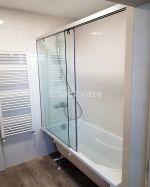 Параван за вана с плъзгаща врата