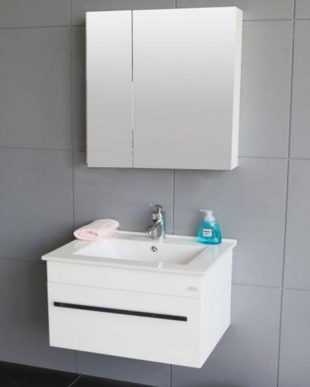 Комплект шкаф с мивка и шкаф с огледало