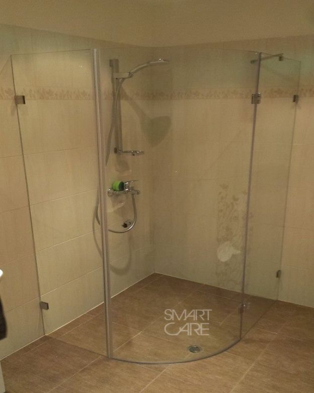Овална душ кабина Attractive по поръчка
